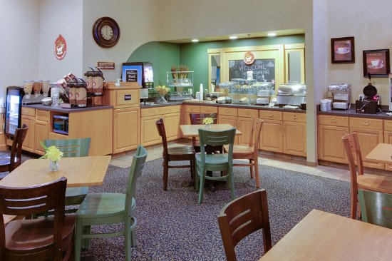 Griswold, CT: Americ Inn CTBreakfast