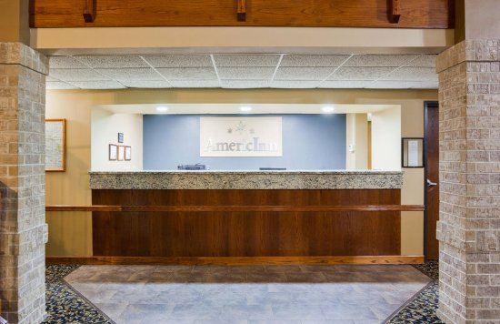 Spencer, IA: Front Desk