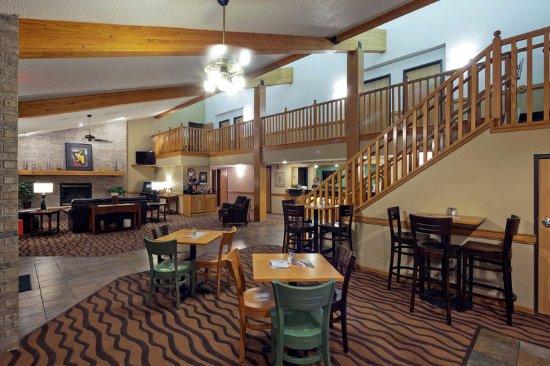 Americ Inn Hartford WILobby
