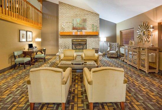 Americ Inn Rhinelander Lobby
