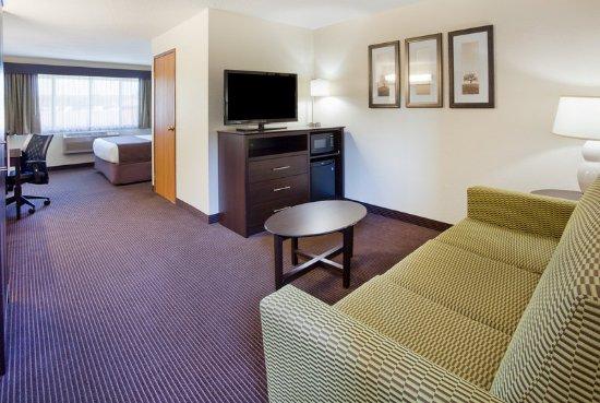 Americ Inn Rhinelander King Suite