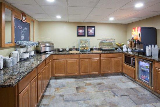 Americ Inn Apple Valley Breakfast