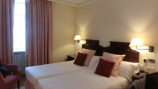 Sercotel Hotel Europa: ツインルームです