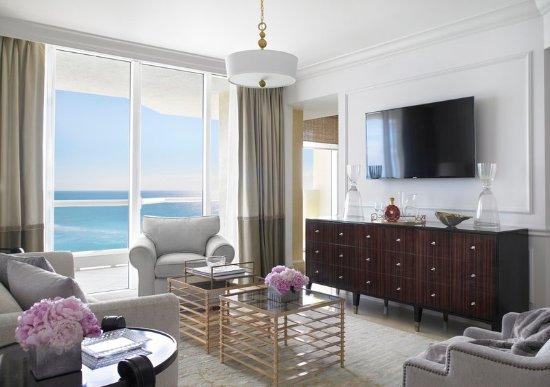 Sunny Isles Beach, Φλόριντα: One Bedroom Suite Living Room