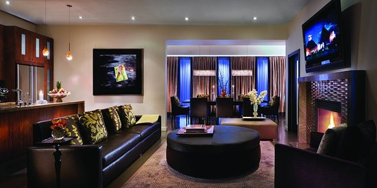 Presidential Villa Living Room at Sunset Marquis