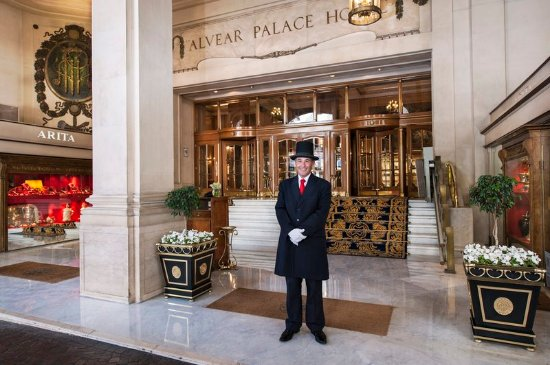 Alvear Palace Hotel: Doorman