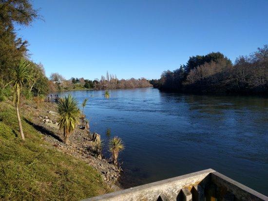 Hamilton, Nya Zeeland: River Views