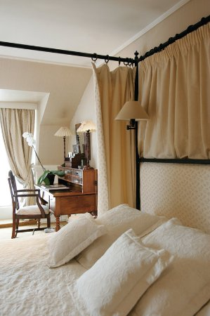 Junior suite photo de pand hotel small luxury hotel for Small leading hotels