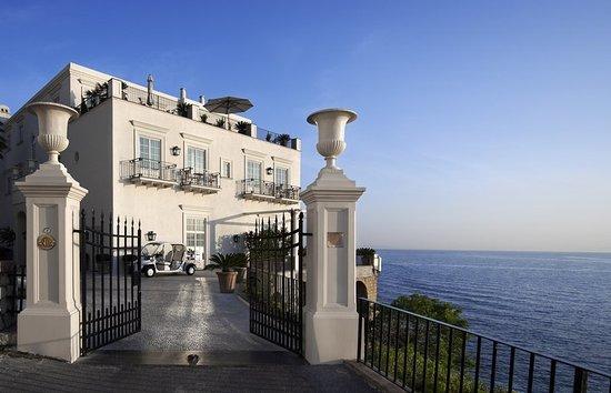 J.K.Place Capri: J.K. Place