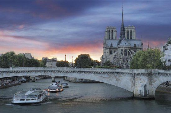 Elvecruise på Seinen, Paris i...