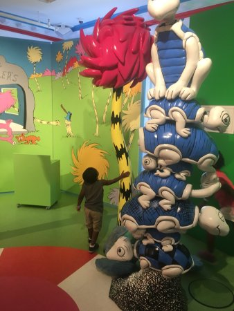 Springfield, MA: The Amazing World of Dr. Seuss Museum