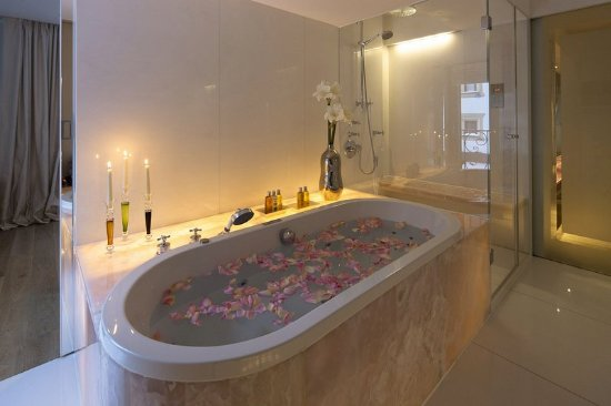Zurs, Austria: Bathroom SPA Suite