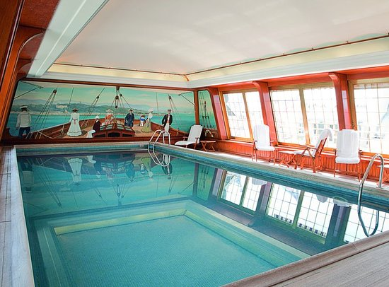 Rooftop Swimming Pool Picture Of Le Bristol Paris Paris Tripadvisor