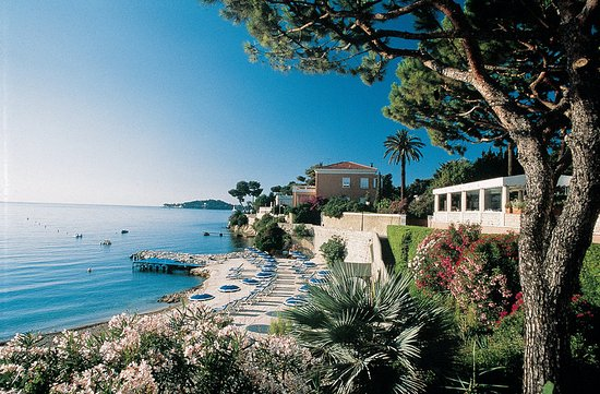 Hotel Royal-Riviera: Private Beach