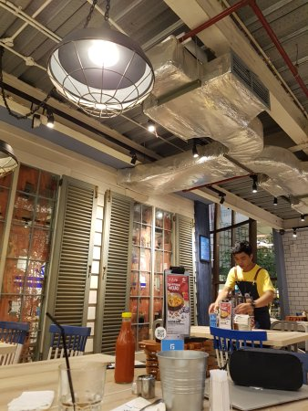 Fish co jakarta pacific place citos restaurant for Co interior
