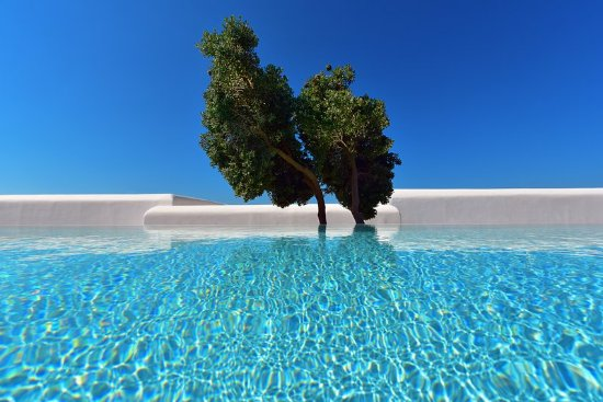 Mykonos Grand Hotel & Resort : Shades of white & blue at Mykonos Grand