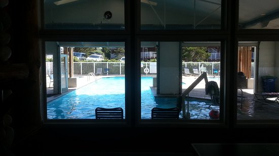 Depoe Bay, OR: The indoor and outdoor pool from inside the building