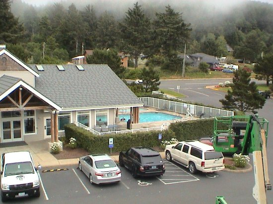 Depoe Bay, Oregón: The indoor/outdoor pool from the third floor