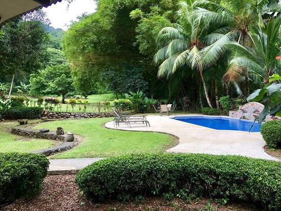 Forest Hills Suites: photo1.jpg