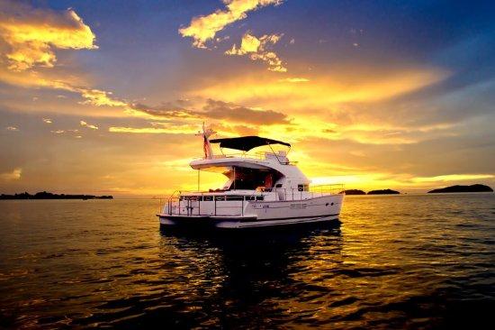 สุทีรา ฮาร์เบอร์ รีสอร์ท: Puteri Sutera Sunset Cruise