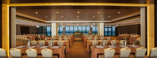 Amathus Beach Hotel Limassol: Demetra Room Classroom Style