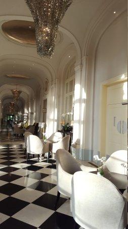 Waldorf Astoria Trianon Palace Versailles : 20170816_082543_large.jpg