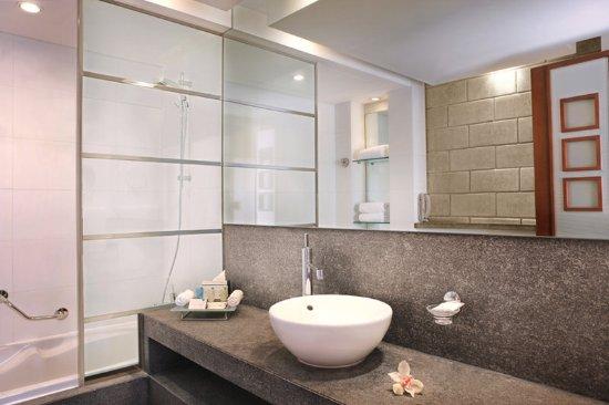 Villa Rotana - Dubai: Bathroom Studio Rooms