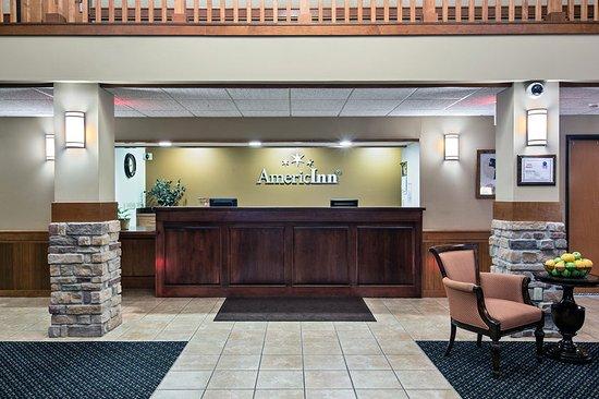 Americ Inn Waconia MNFront Desk