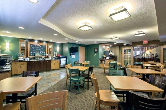 Americ Inn Waconia MNBreakfast Room
