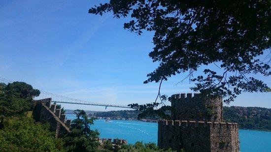 Rumeli Hisarı (Festungsanlage): Facing Onto Asia Side of Istanbul