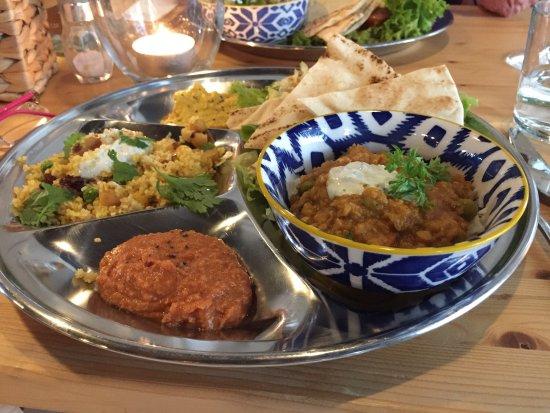 Oestrich-Winkel, Alemania: Köstliche Speisen.. ein unglaublich stimmiges Ambiente in alten Räumen wundervoll kreativ hinein