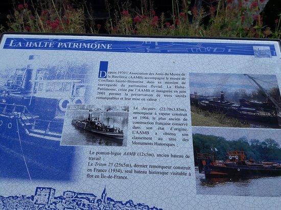 Conflans-Sainte-Honorine, France : Arrivée trop tard pour visite les bateaux .  Se n'est que partie remise