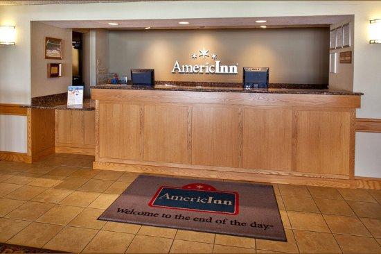 Americ Inn Anamosa Front Desk