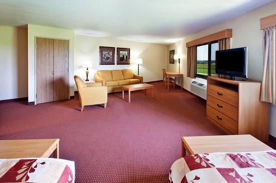 Americ Inn Anamosa Family Suite