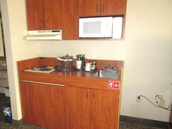 Kitchenette, Best Western Plus High Sierra Hotel, Mammoth Lakes, Ca