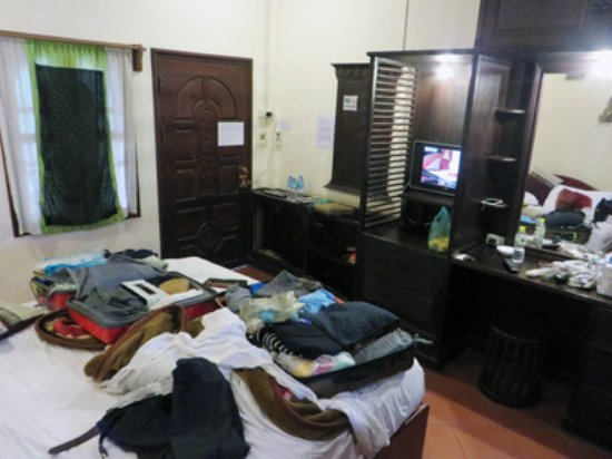 Vangsavath Hotel: room