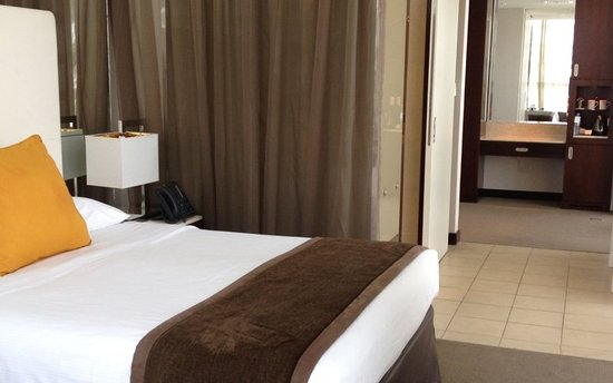 Centro Yas Island Abu Dhabi by Rotana: Premium Plus-Queen Bed
