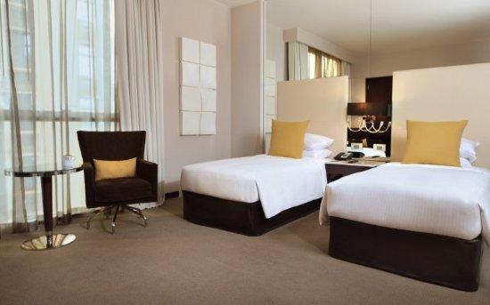 Centro Yas Island Abu Dhabi by Rotana: Premium Plus-Twin Bed