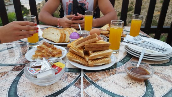 Makrinitsa, Griekenland: 20170819_070421_large.jpg