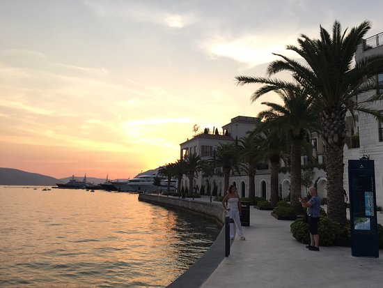 Tivat Municipality, Montenegro: Tivat akşamı