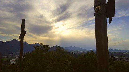 Kalvarienberg: Pohled na Füssen a hory