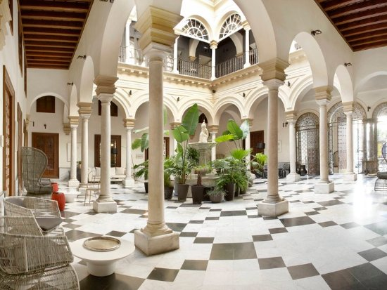 Hotel Palacio de Villapanes: MAIN PATIO