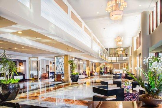 East Elmhurst, Nowy Jork: Lobby at LaGuardia Plaza Hotel, NY