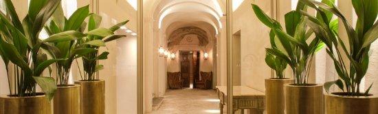 Fossano, Italia: Palazzo Righini Entrance