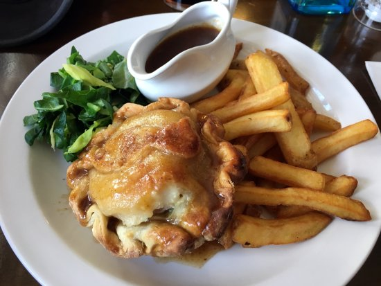 Washingborough, UK: Chicken and Ham pie