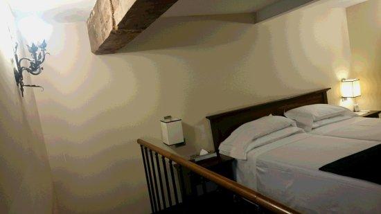 B4 Astoria Firenze: ロフトタイプの部屋。寝室は2F。