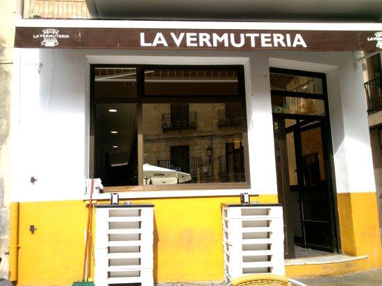 Cenicero, إسبانيا: Exterior del local