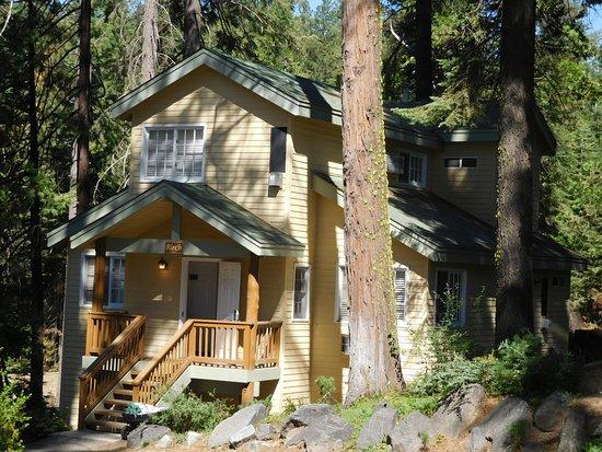Fish Camp, CA: Cottage von außen
