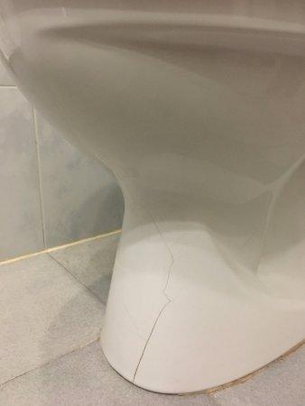 Hotel Urbis Centre: Calidades del baño