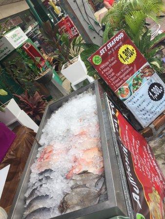 The tha restaurant anong chaweng restaurant avis for Anong thai cuisine